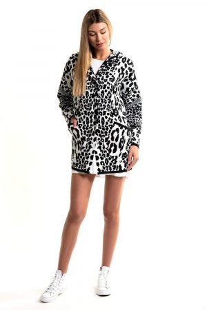 coat with hood,